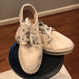Universal Thread espadrille sneaker. Darling!